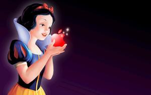Snow White having the apple